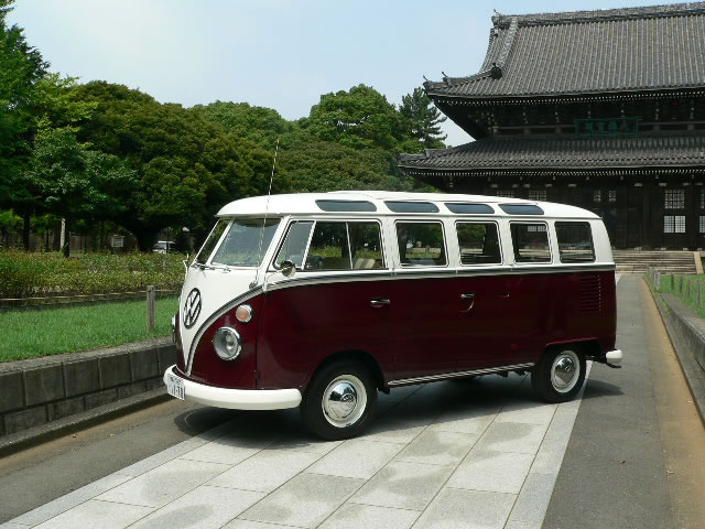 1967 Type2 21W DX BUS